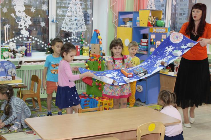 Воспитатель из Соснового Бора представит область на общероссийском конкурсе