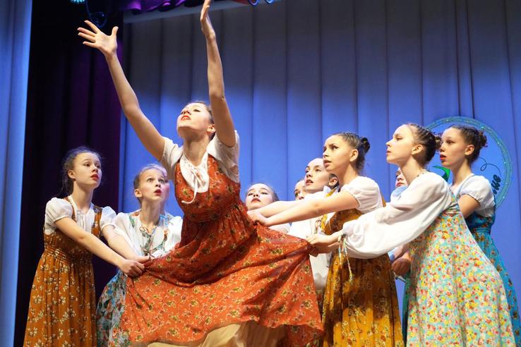 Танцоры из Тихвина и Коммунара вдохновили жюри
