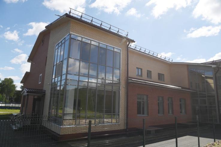 Школа и амбулатория для Толмачево