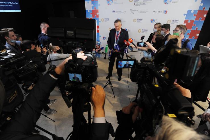 Александр Дрозденко определил перспективы инвестиций в области