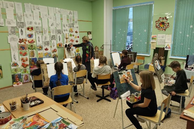 НАЦПРОЕКТЫ: скрипки, флейты и треноги ─ для юных тосненских талантов