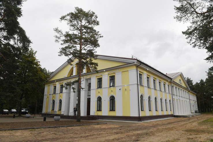 Область строит дома культуры